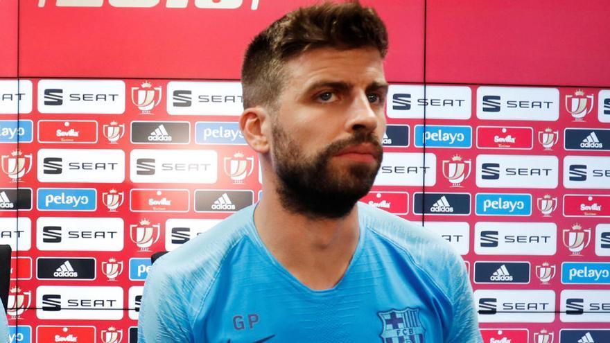 La RFEF expedienta a Piqué por criticar a los árbitros en su charla con DjMaRiiO