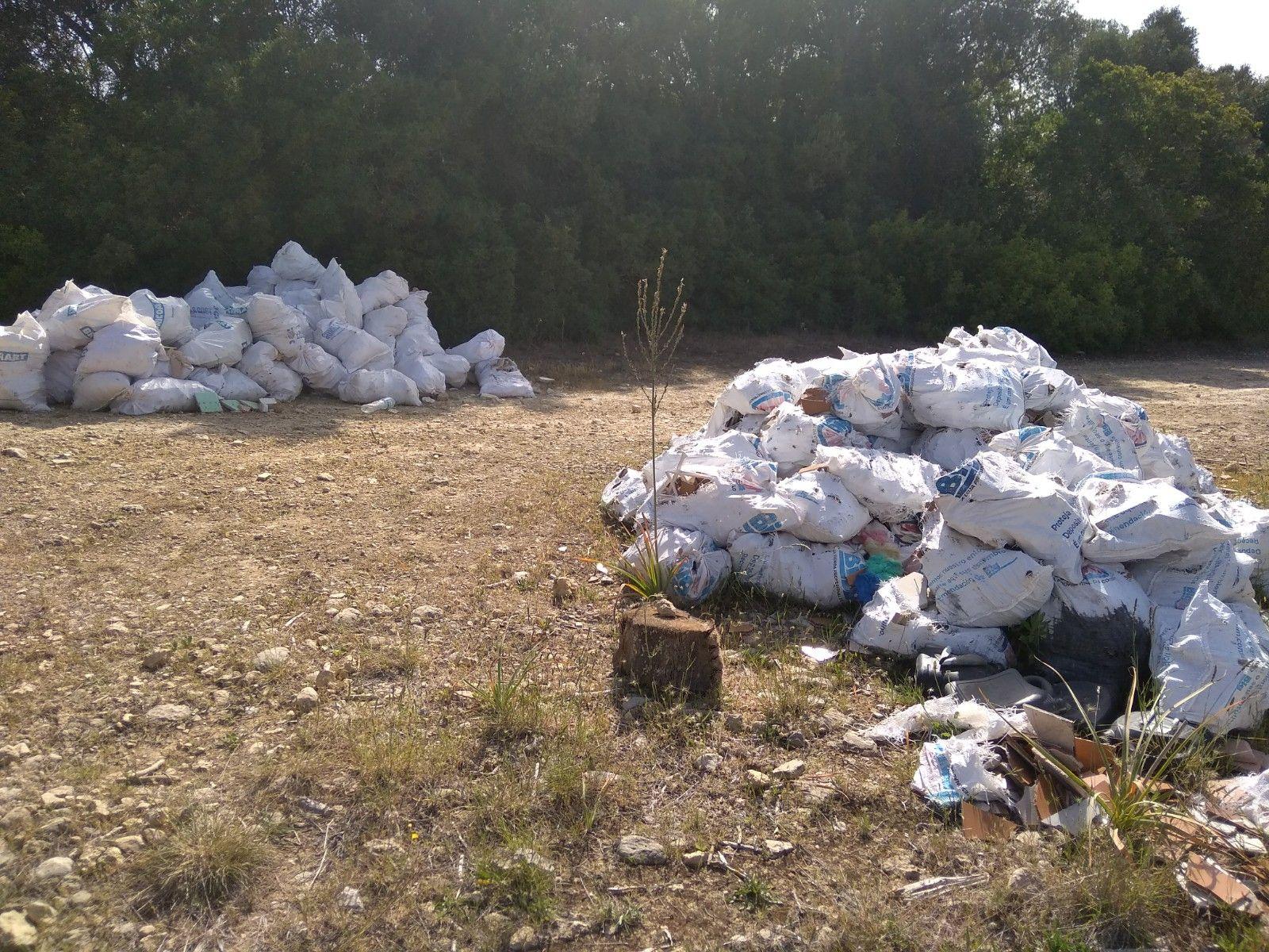 GADMA denuncia vertidos ilegales en la carretera de Bunyola
