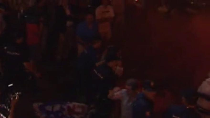 VÍDEO / Incidentes en Génova durante la celebración del PP