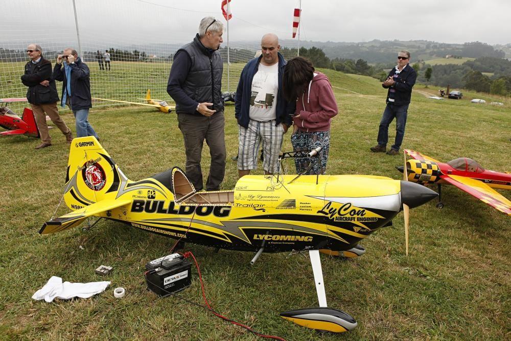 Inauguración de la pista de aeromodelismo del monte Pica Corros, Cenero