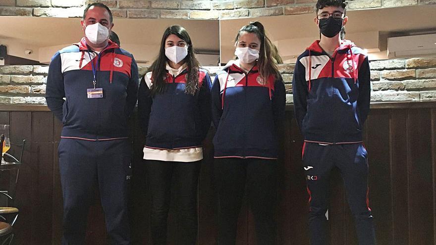 Tres karatekas de la comarca aprueban el curso para ejercer como entrenadores