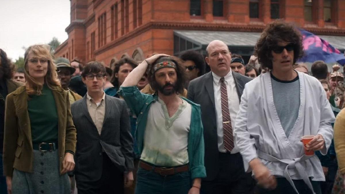 Fotograma del tráiler de 'El juicio de los 7 de Chicago'