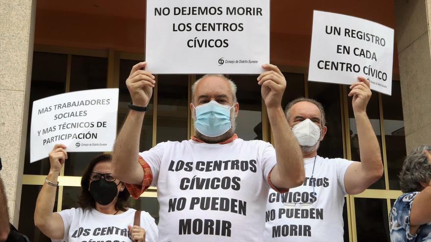 El alcalde admite que hay que mejorar la situación de los centros cívicos de Córdoba