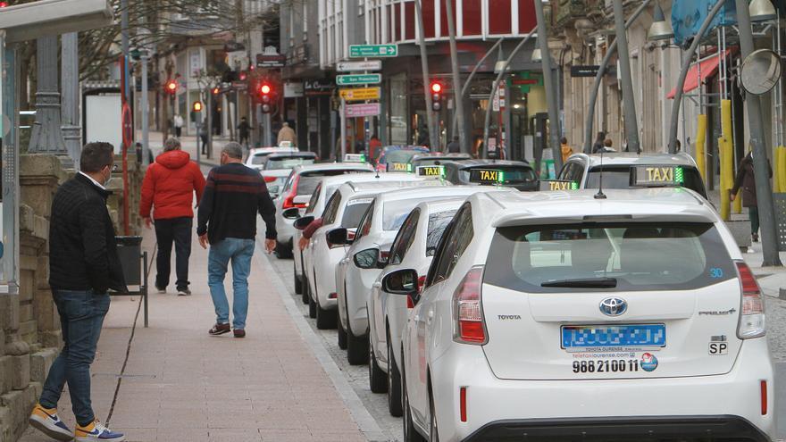 Los taxis en Galicia podrán ocupar todos sus asientos y llevar a trabajadores y escolares no convivientes