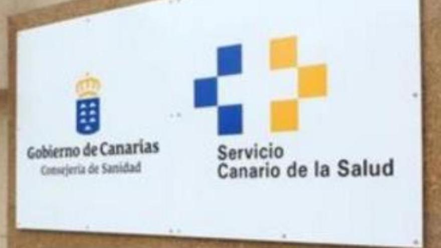 """Los defensores de la sanidad pública critican la """"parálisis"""" de la Consejería canaria"""