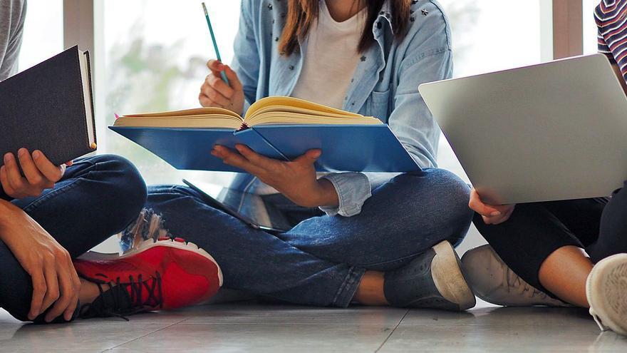 Riba-roja estudia cómo percibe la adolescencia el machismo