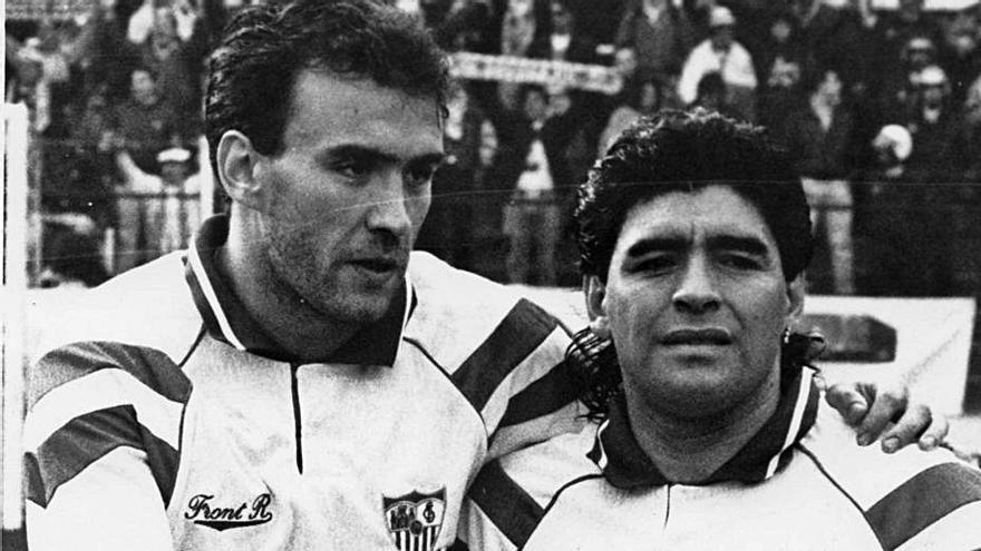 """Los recuerdos de Maradona de Bango y Julio Alberto: """"Lo tenía todo, era un jugador único"""""""