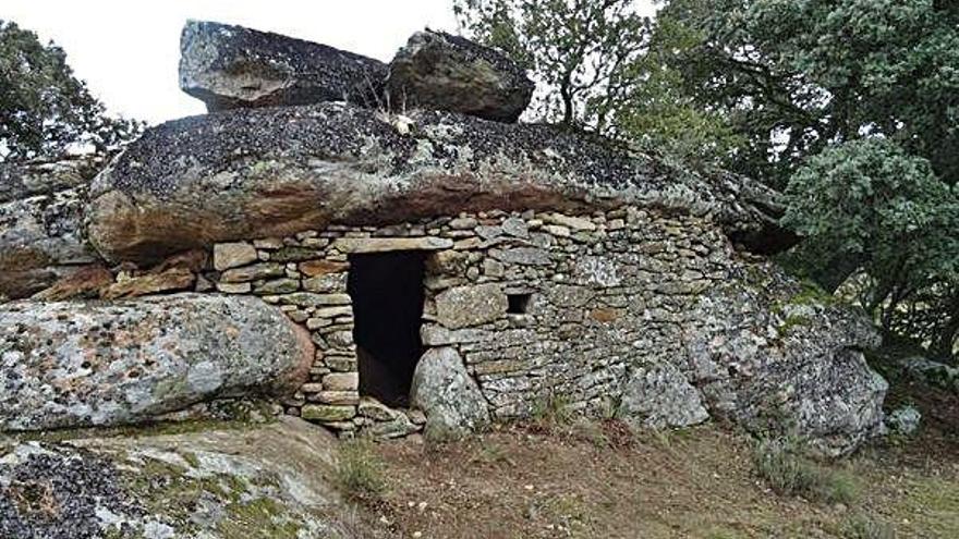 El chozo de Tudera una vez reconstruido.
