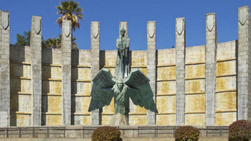 El PSOE canario critica Santa Cruz tenga aún un monumento en honor a Franco