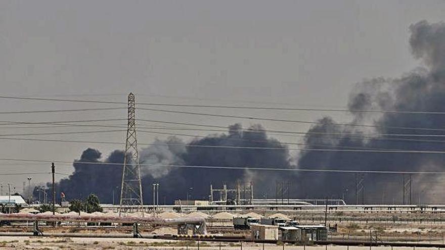 EEUU acusa a Irán del ataque a refinerías saudíes que sacude el mercado del crudo