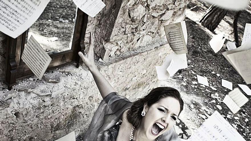 Teresa Albero, soprano: «'La voix humaine' es una ópera desgarradora»