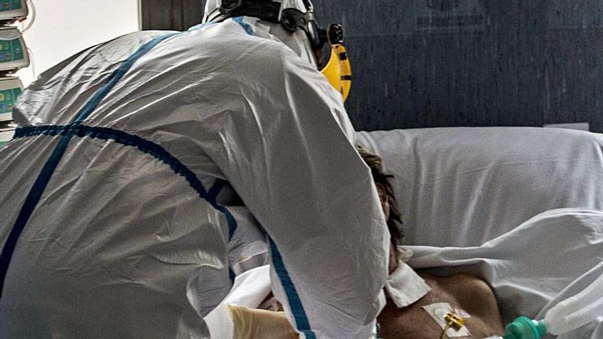 El covid deja en la provincia de Alicante cuatro fallecidos en un día y nuevo récord de contagios