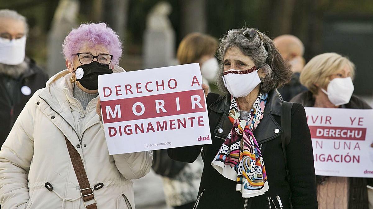 Manifestación en Oviedo en favor de la eutanasia en diciembre del año pasado.   Irma Collín