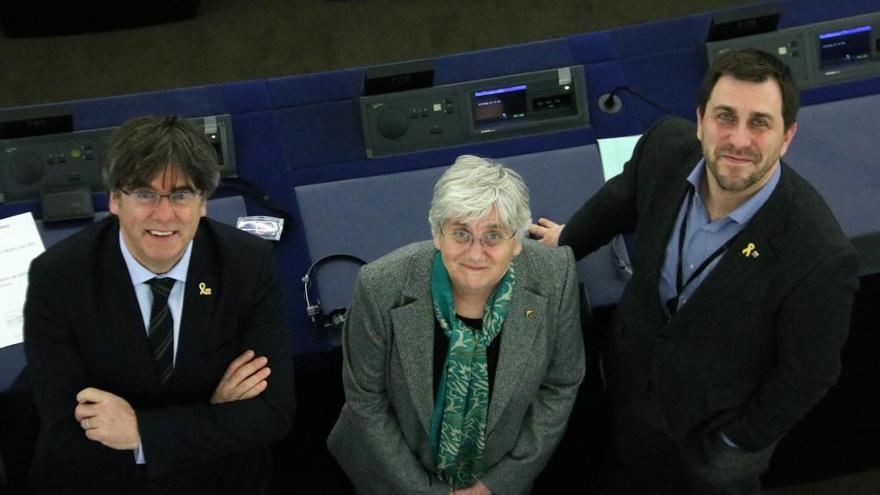 L'alcalde de Perpinyà ofereix rebre els eurodiputats a l'Ajuntament abans del dia 29