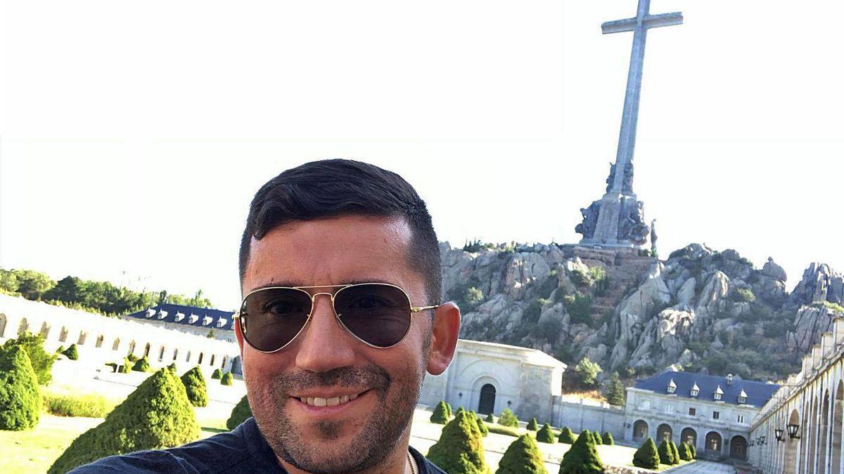 El presunto asesino en serie, en una foto tomada a sí mismo en el Valle de los Caídos.