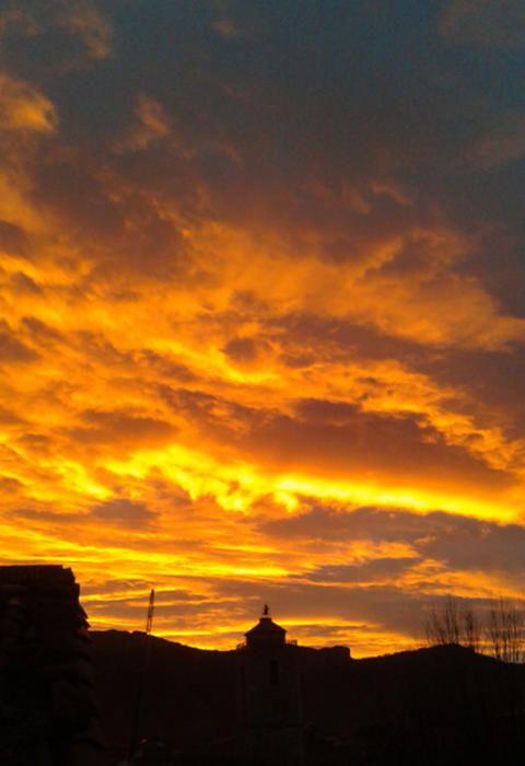 Sant Llorenç de Morunys. En aquesta bonica imatge que ens ha fet arribar a la nostra redacció, podem dir aquella dita que diu «sol rogenc, pluja o vent».