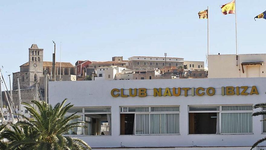 Los socios del Club Náutico Ibiza aseguran que «lucharán por sus derechos»