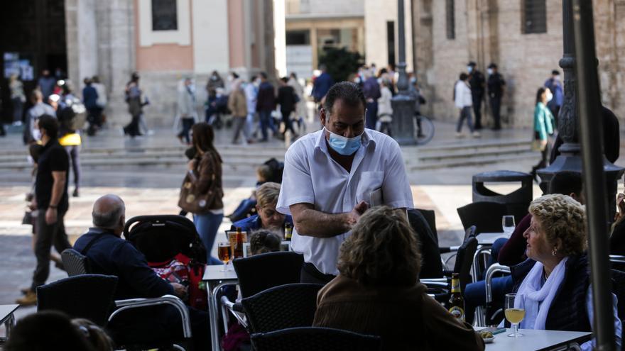 Oltra insiste en restricciones más severas tras anunciar Puig y Barceló las últimas medidas