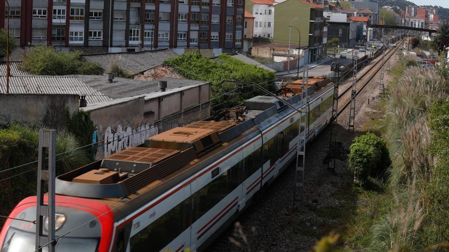 Madrid ve viable soterrar las vías entre La Grapa y el paso de Larrañaga, como defiende Avilés
