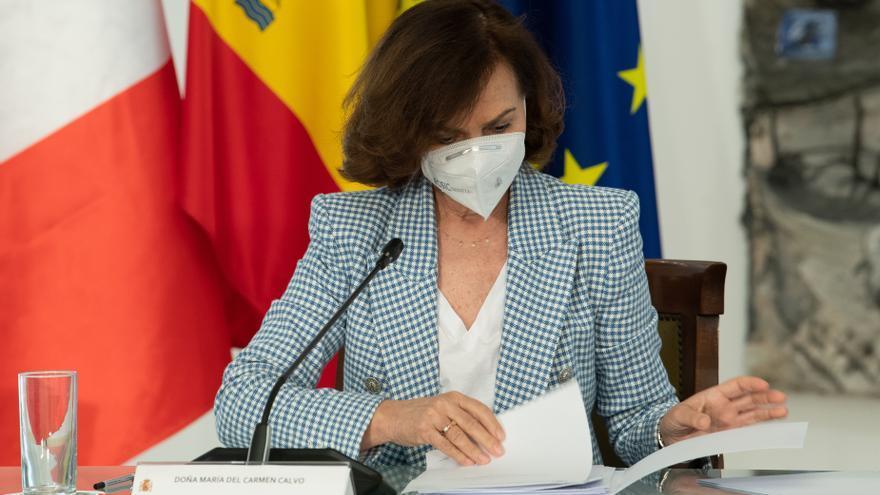 La ministra Calvo sobre la suspensión de la vacunación con AstraZeneca en Castilla y León: la decisión no corresponde a las comunidades