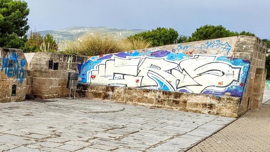 Cort adjudica la limpieza de grafitis y mantenimiento de la muralla de Palma