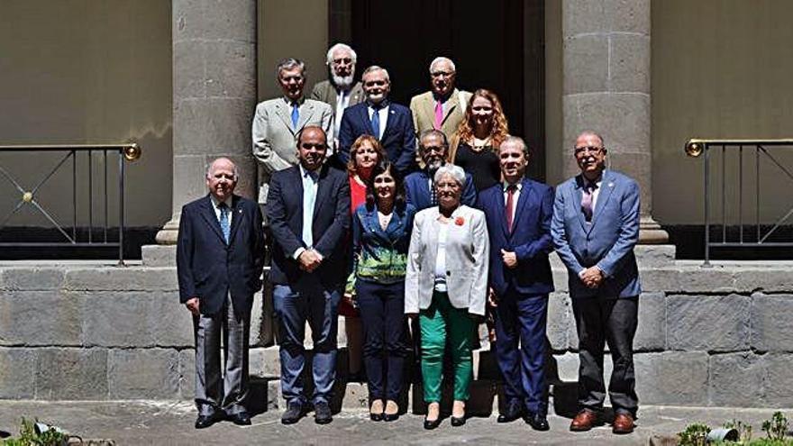 Cronistas en el Parlamento canario