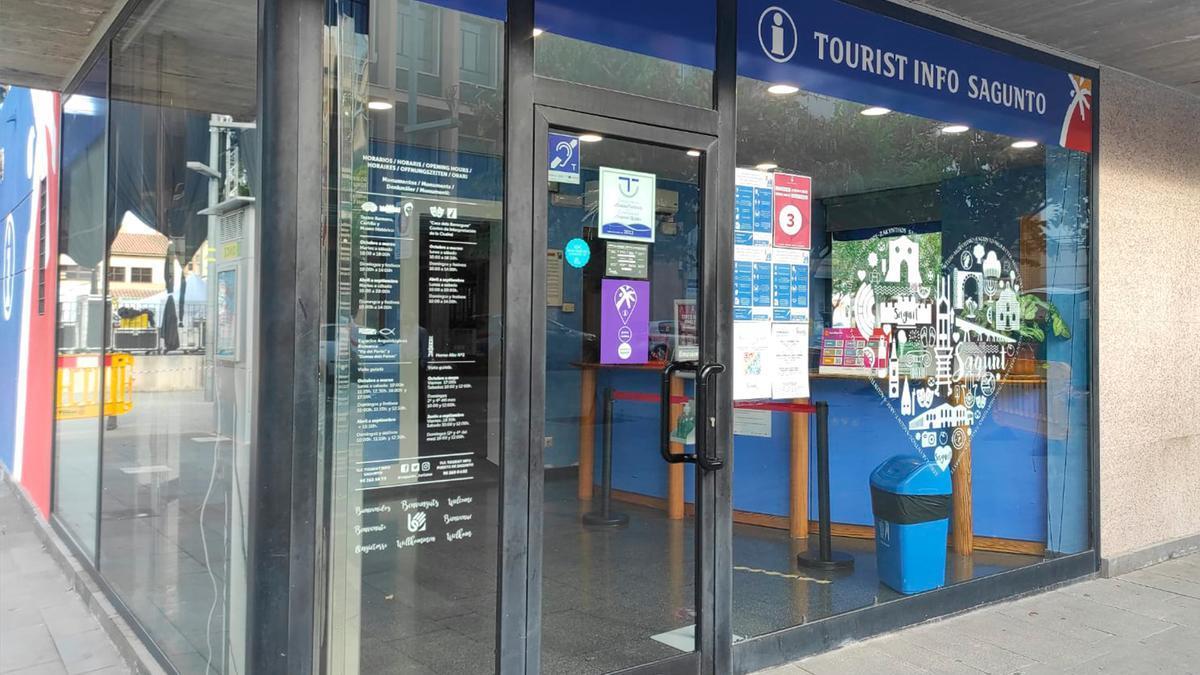 Oficina de turisme del Port de Sagunt amb punt violeta