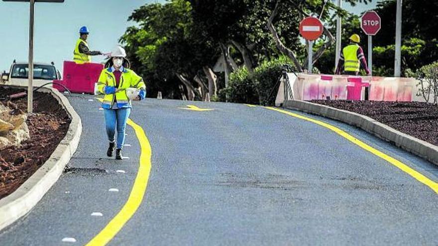 Canarias y el Estado encauzan su pleito de 10 años sobre carreteras