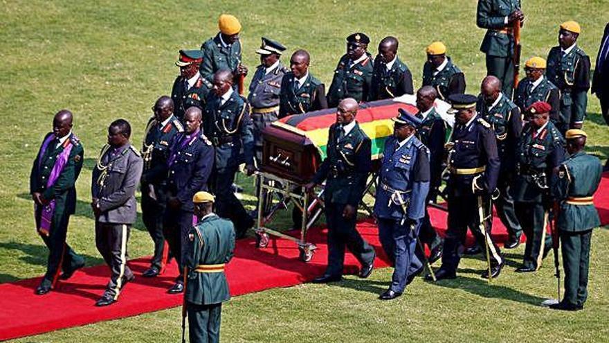 Jefes de Estado y altos cargos de todo el mundo despiden a Mugabe