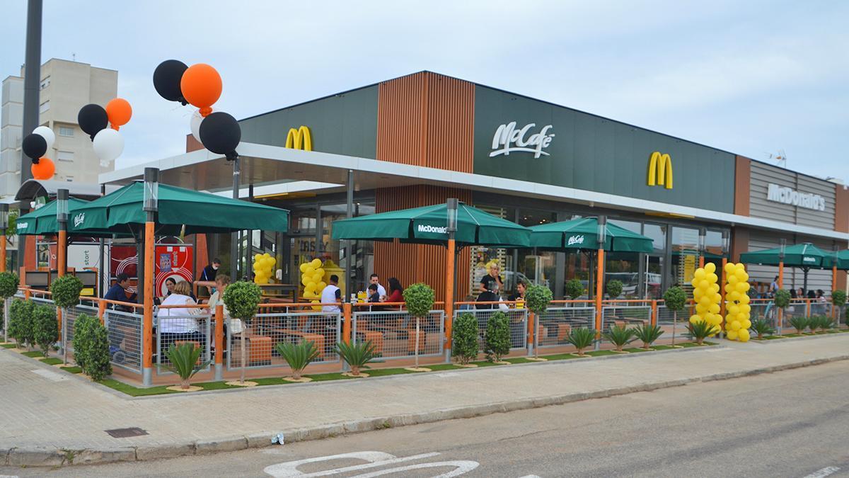 Apertura de un nuevo restaurante McDonald's en Cala Millor.