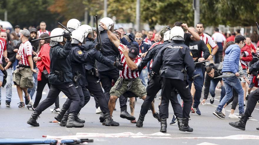 El único ultra que fue a juicio por los disturbios del derbi, condenado a 4 años y tres meses de cárcel