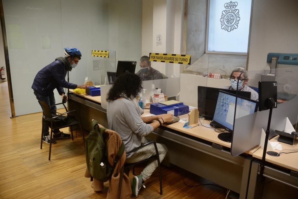 La Policía extiende el horario para renovar DNI y pasaporte