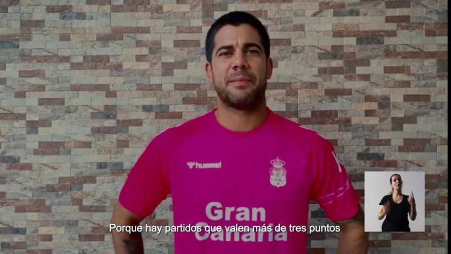 CD Tenerife y UD Las Palmas se unen en una campaña solidaria de la mano de Compañía Cervecera