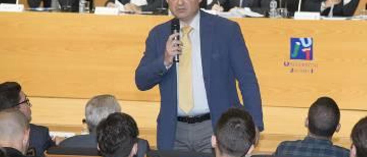 José Miguel Garrido, en una junta del Castellón en la UJI.