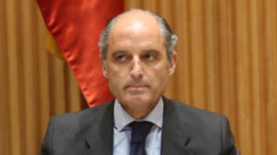La Audiencia Nacional investigará a Camps en el juicio de la caja 'b' del PP