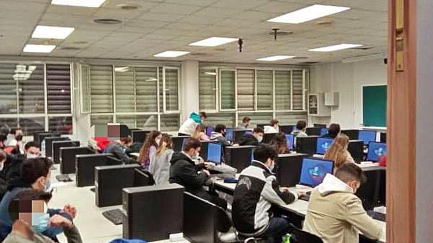 Los universitarios critican el riesgo de las pruebas presenciales