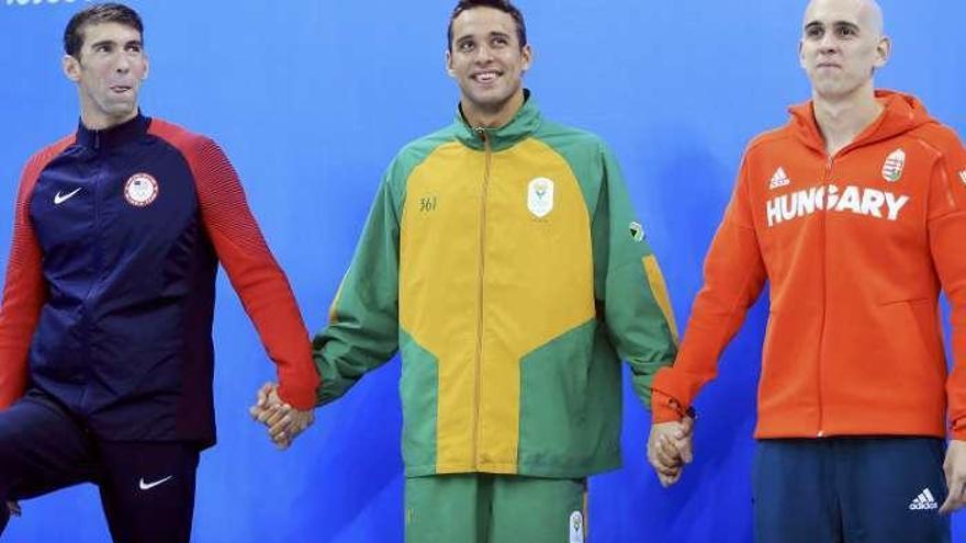 Schooling lidera un histórico podio con Phelps, Le Clos y Cseh de plata