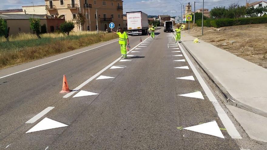 Qué son los 'dientes de dragón' que la DGT está pintando en las carreteras