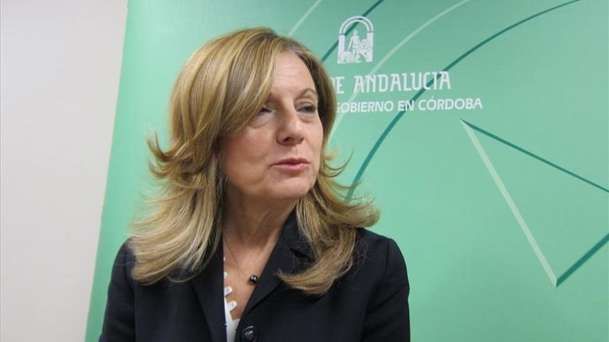 Marina Álvarez recuerda que el Gobierno quebró en el 2012 la cobertura sanitaria universal