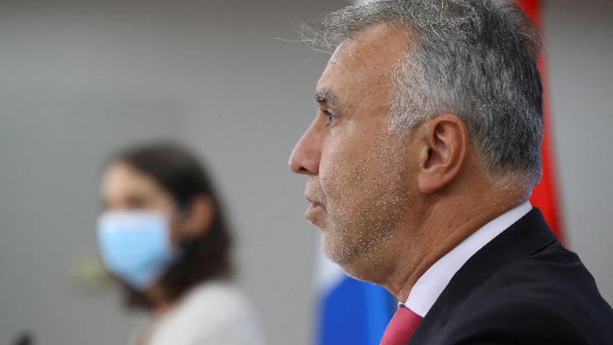 Torres asegura que Canarias está preparada para vacunar desde enero