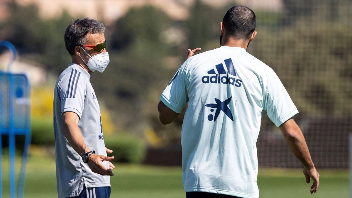 L'entrenador de la selecció espanyola de futbol, Luís Enrique, en un entrenament a Madrid