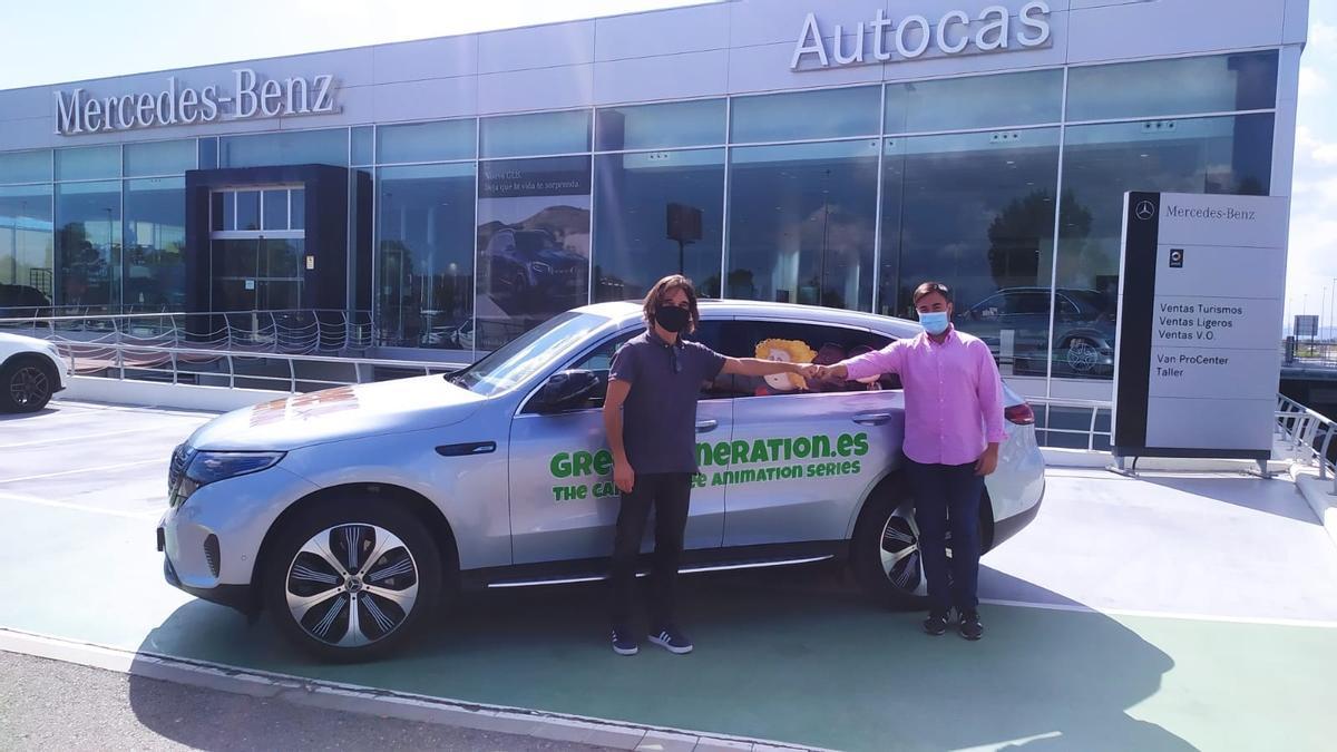 Amb el suport d'Autocas, la sèrie ha fet els 900 km que separen Castelló de Cannes en un Mercedes Benz EQB.