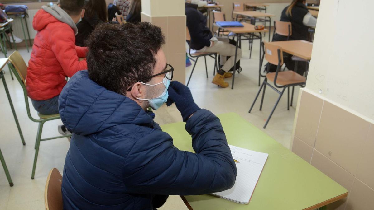 Alumnos en el aula de un instituto en Vilagarcía.