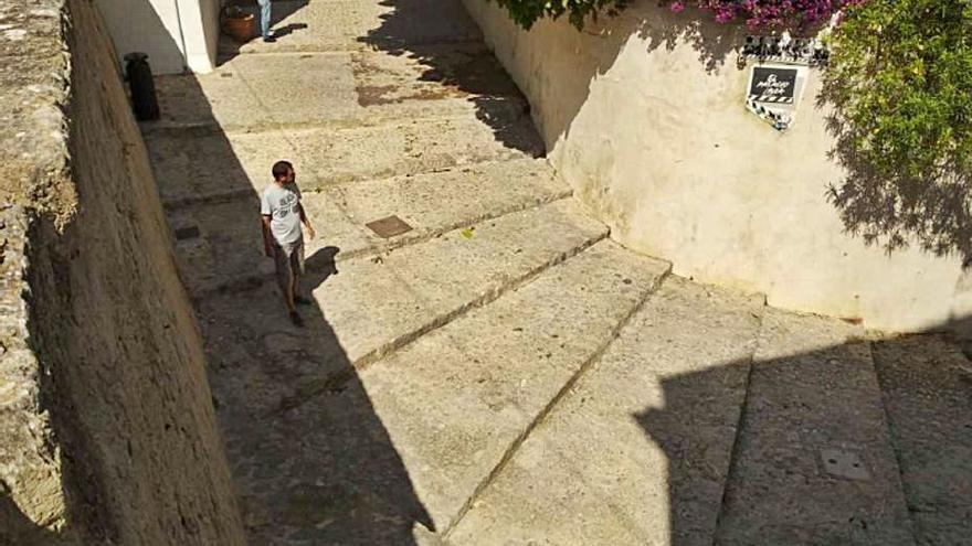 Vila licita el arreglo de la calle Conquesta de Dalt Vila