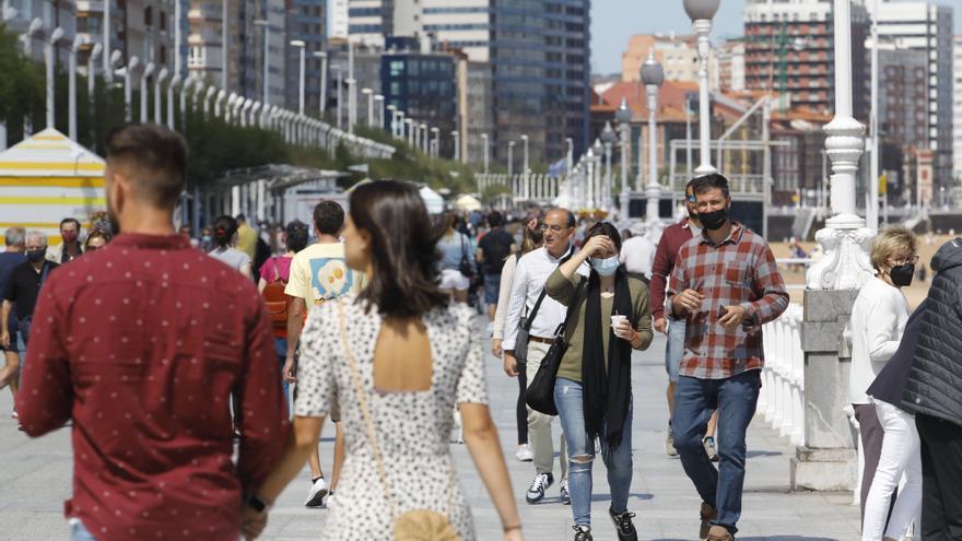 Gijón es la ciudad que más casos de coronavirus registró esta semana (705): así evoluciona la pandemia por concejos