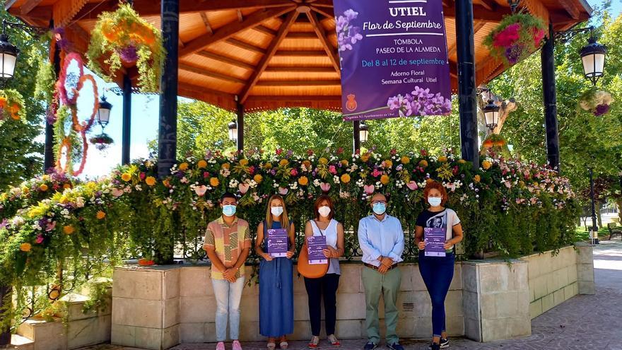 Utiel consolida su 'Flor de septiembre' para celebrarla anualmente