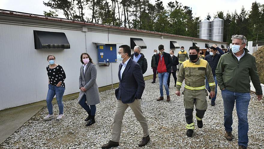 Medio Rural celebra que una granja de Lalín utilice el sistema antiincendios forestales de la Xunta