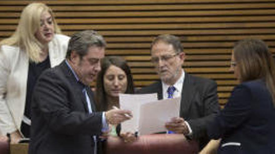 """Vox pregunta en Valencia si la ley de Memoria se aplicará """"a todos los caídos"""""""