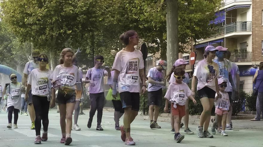 Más de 2.000 personas participan en la Color Road