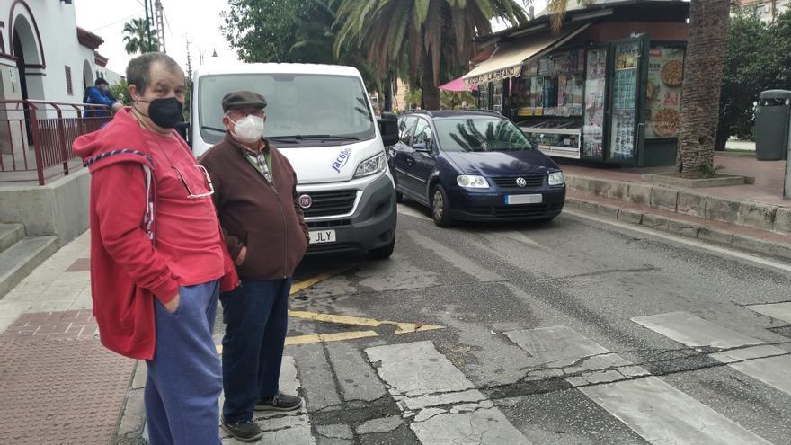 Un paso de cebra poco apto para peatones en Ciudad Jardín